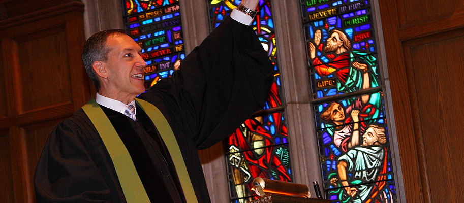Pastor Mark Balthrop Preaching